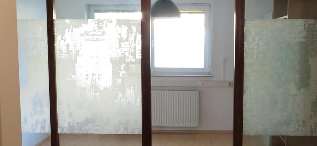 raeume-room_no2-door_open